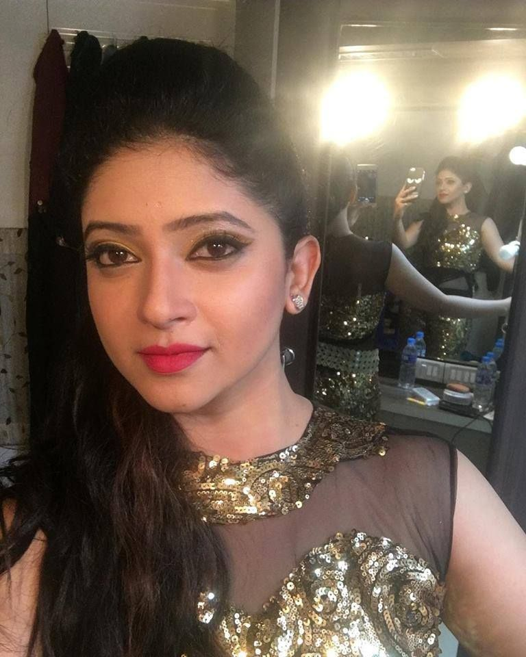 Actress Pallavi Gowda Ravishing Stills Kannada Gallery