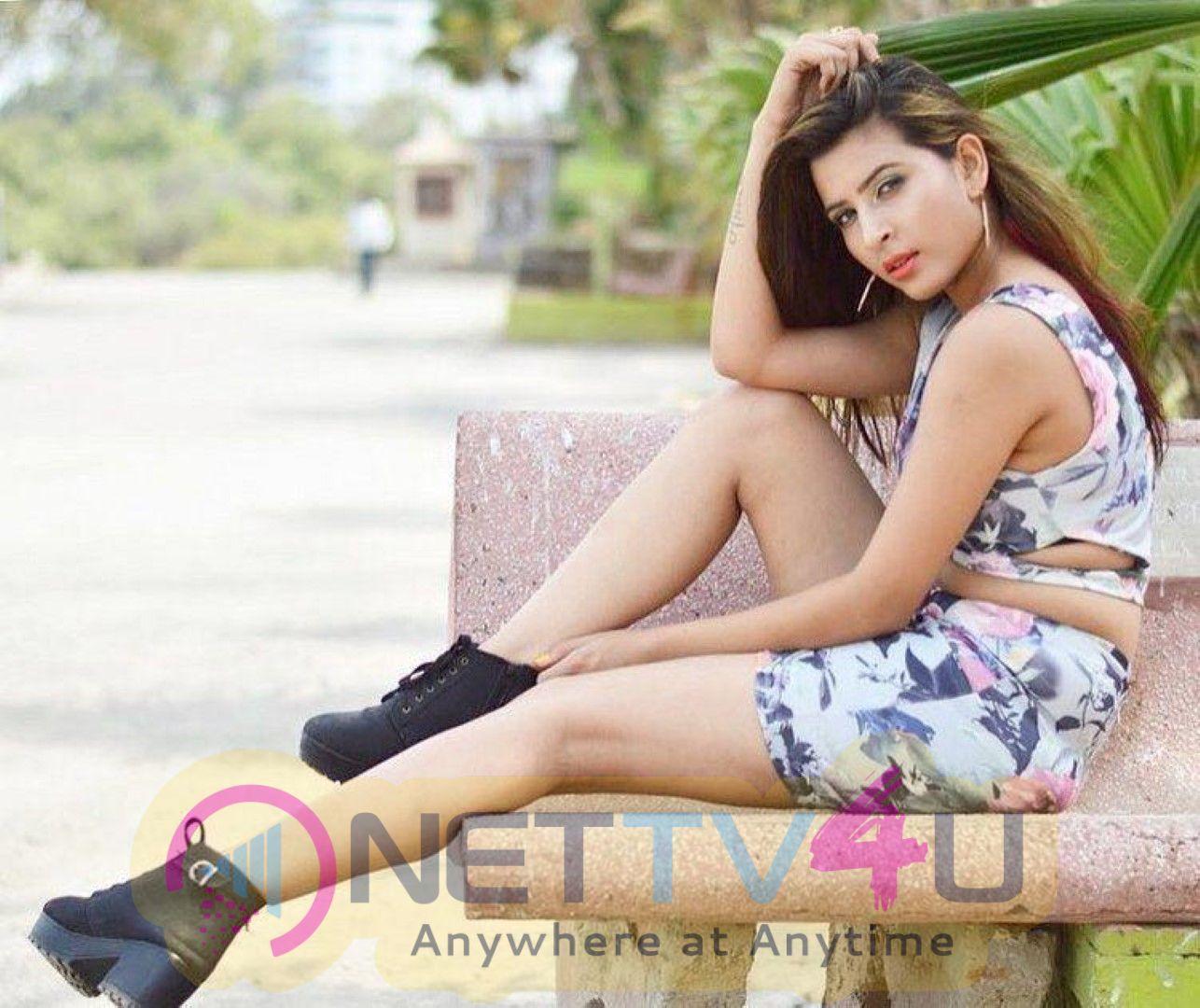 Model Mansii Dixit Stylish Photoshoot Stills