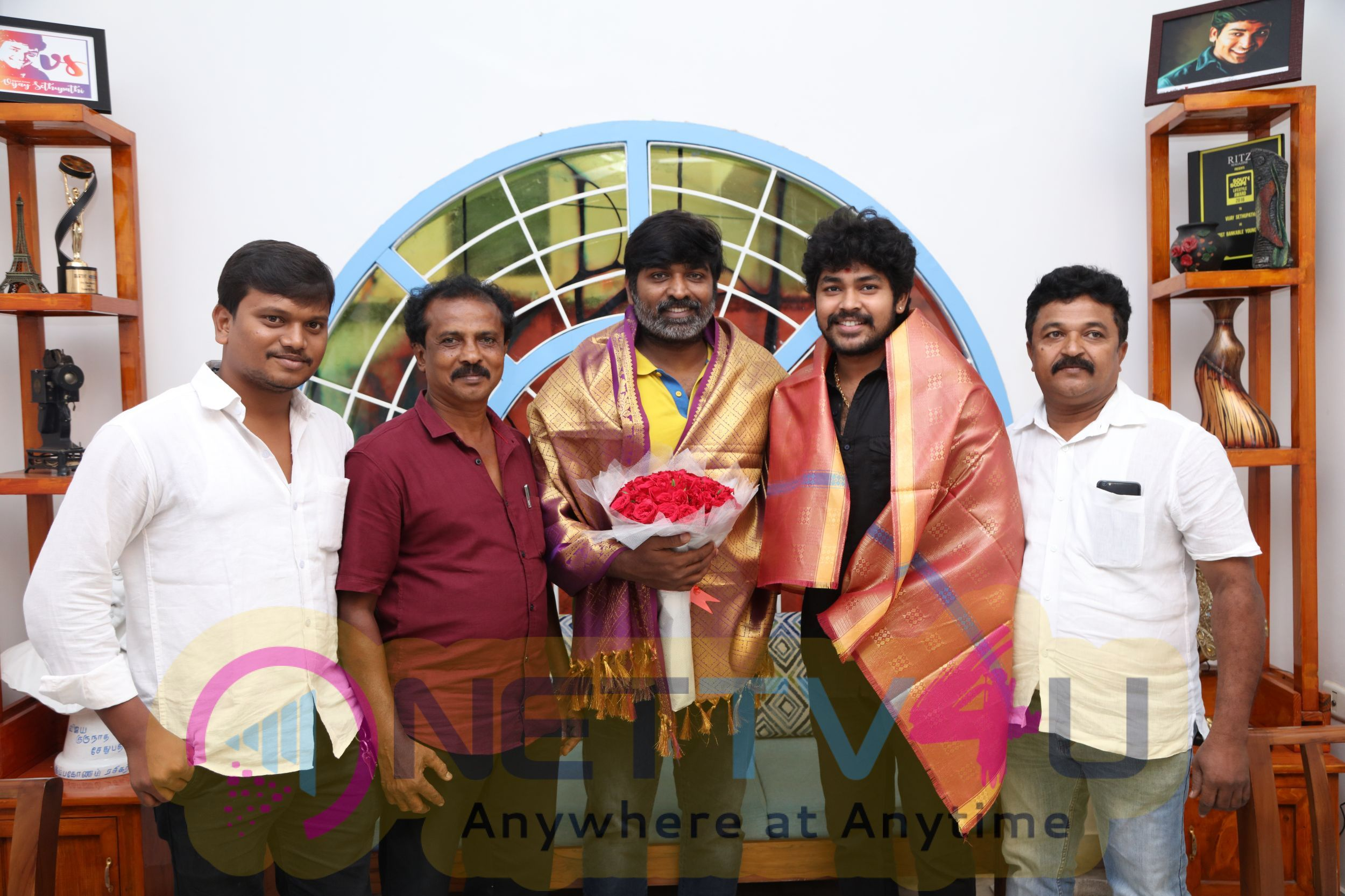 Makkal Selvan Vijay Sethupathi Released The First Look Poster Of Movie Alti Pics