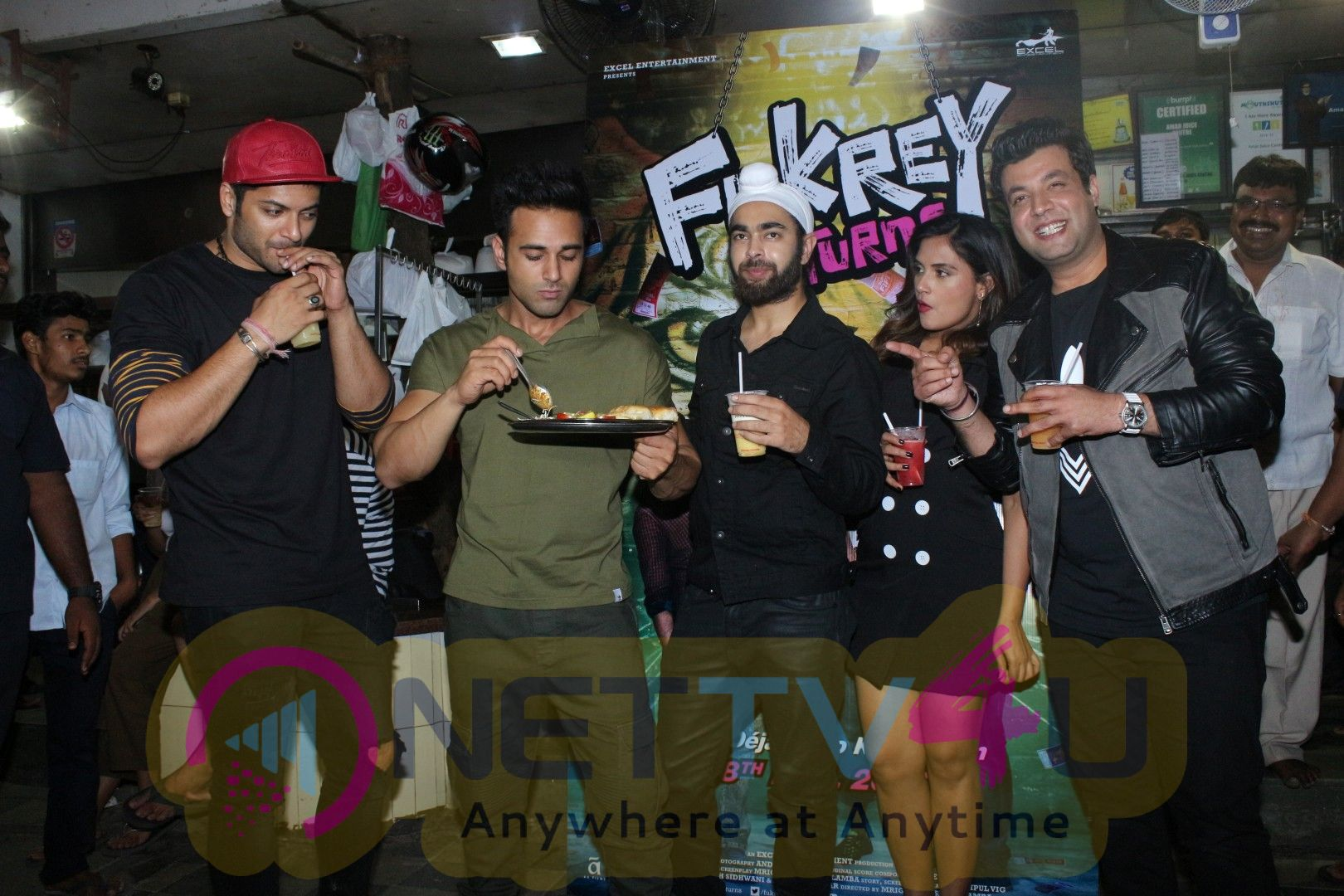 The Cast Of Fukrey Returns Visit At Most Popular Spots Of Mumbai  Images