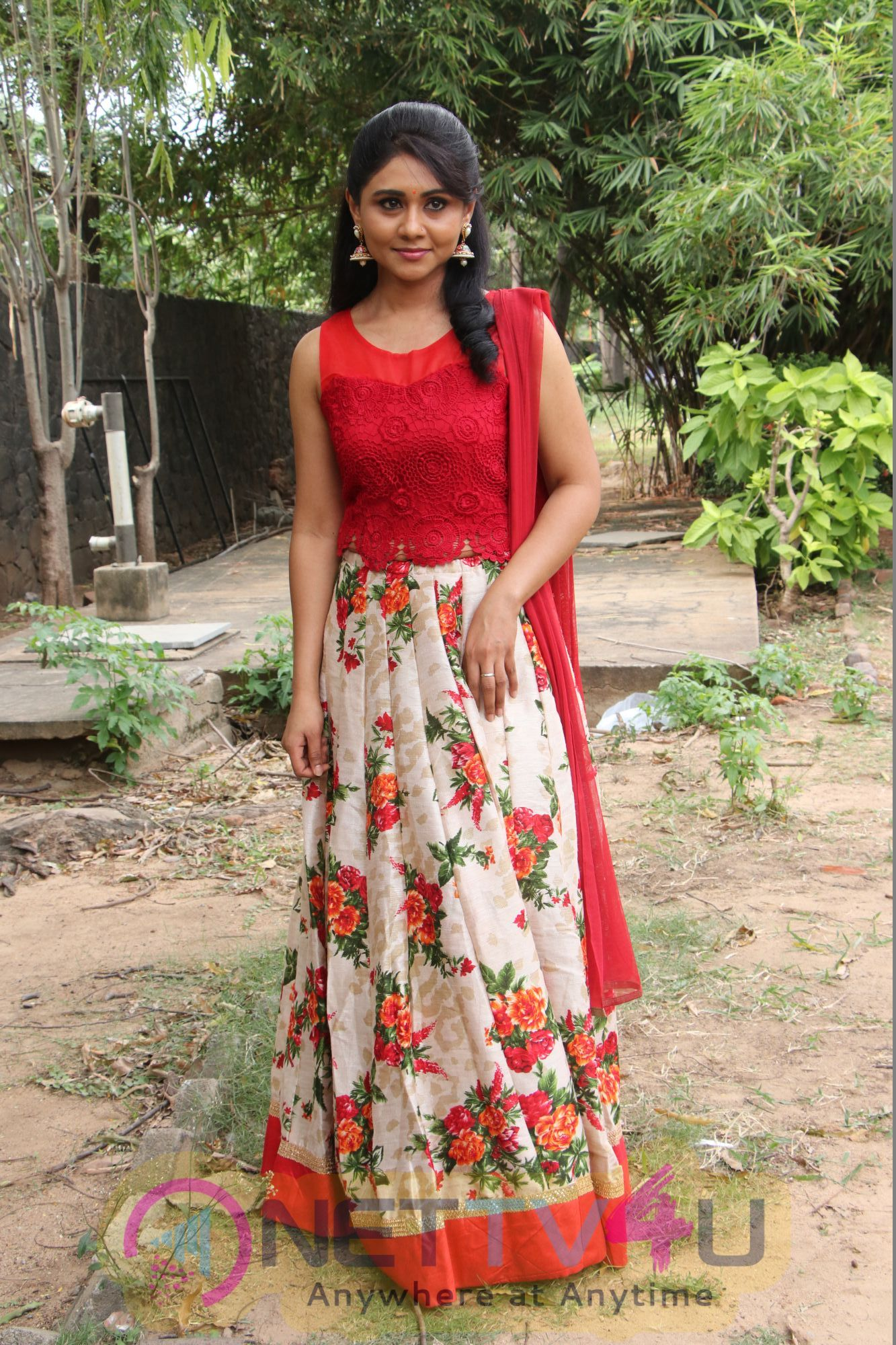 Actress Punnagai Poo Gheetha Cute Photos Tamil Gallery