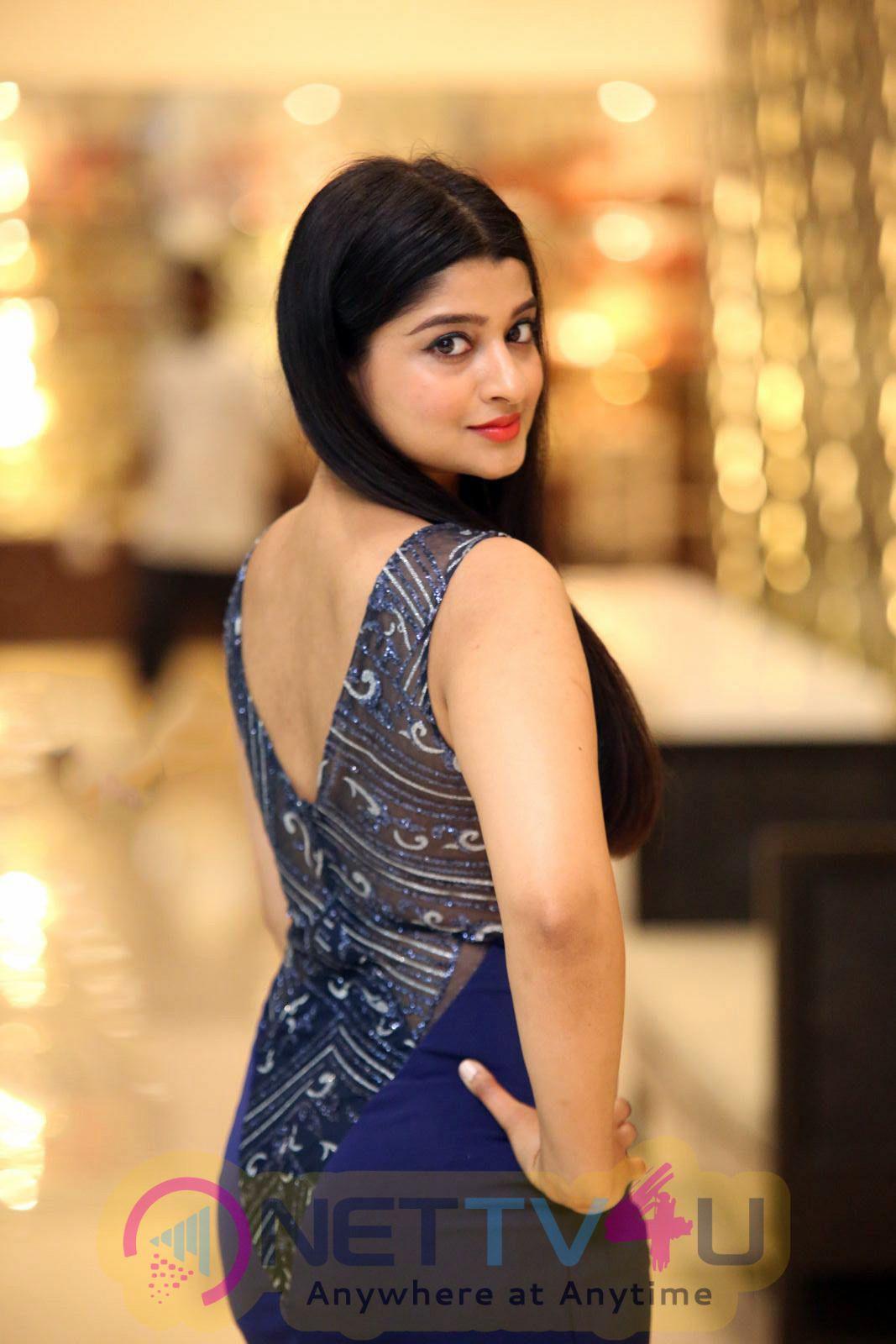 Actress Aishani Shetty Beautiful Images Kannada Gallery
