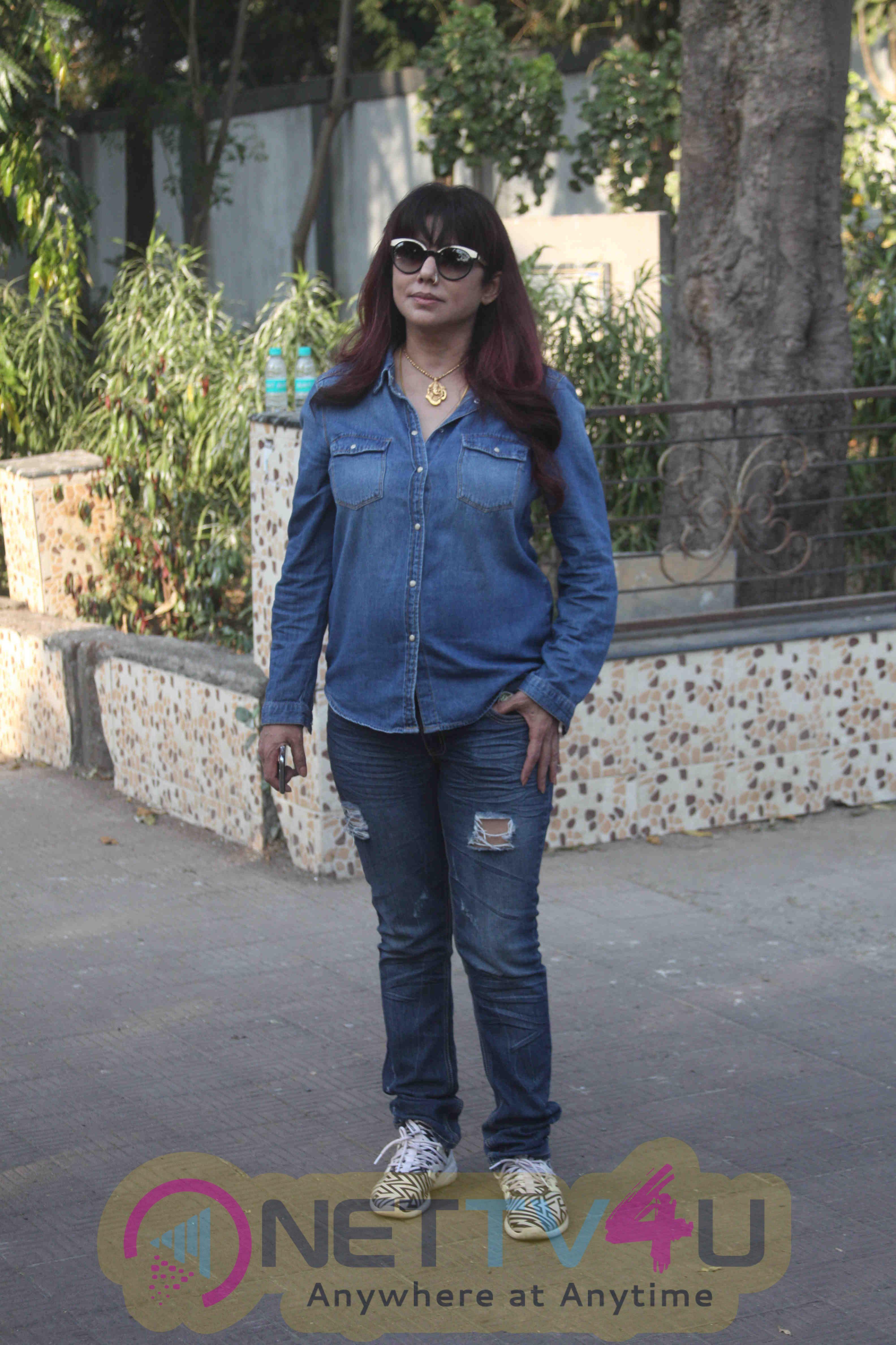 Funeral Of Bollywood Lyricist Naqsh Lyallpuri Stills