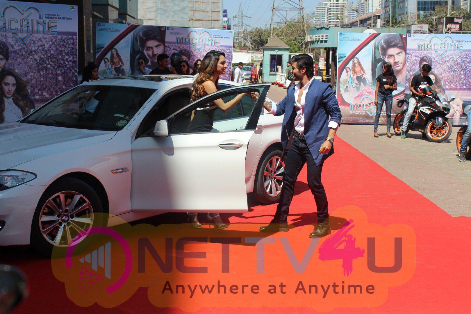 Trailer Launch Of Film Machine With Mustafa & Kiara Advani Photo
