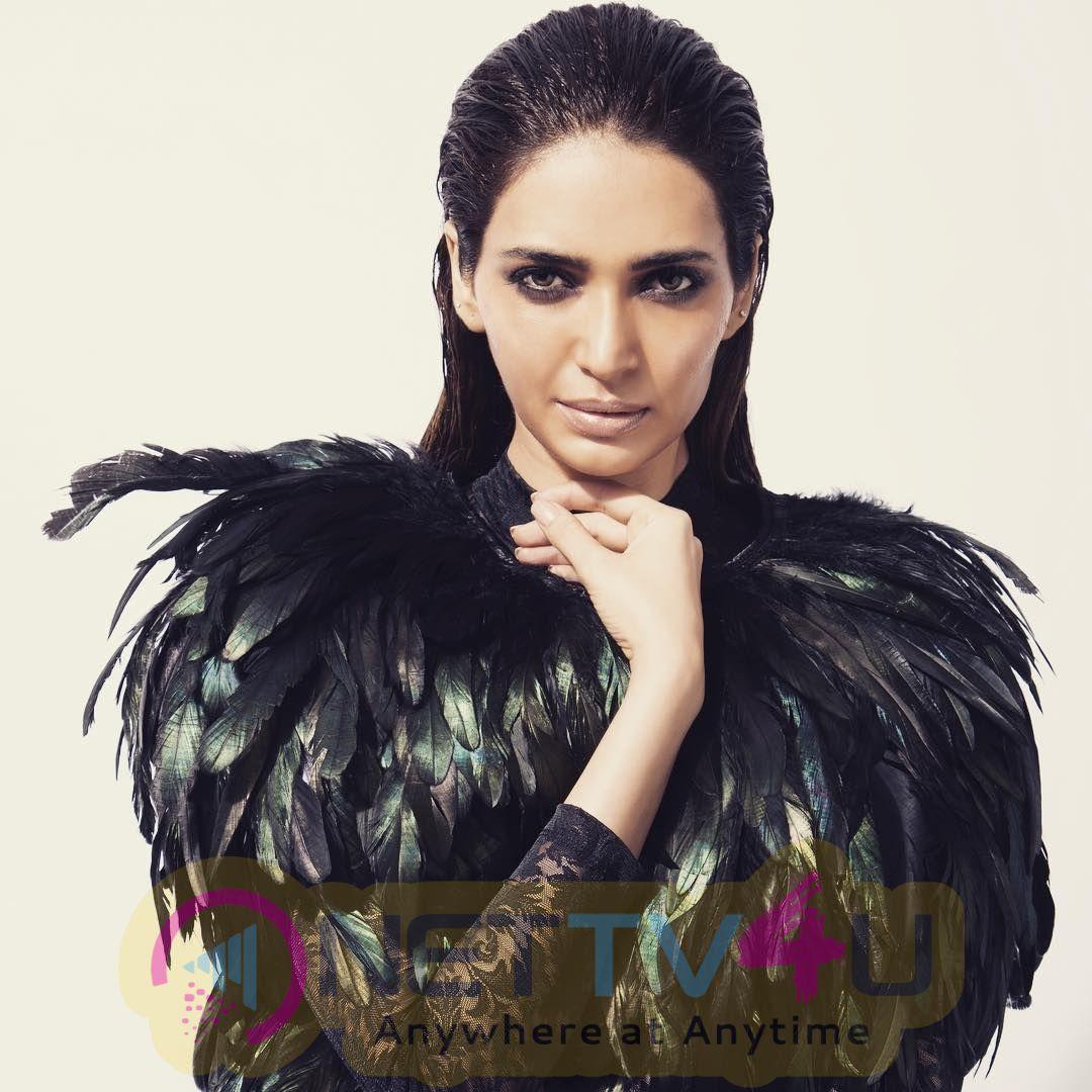 Actress Karishma Tanna Cute Pics