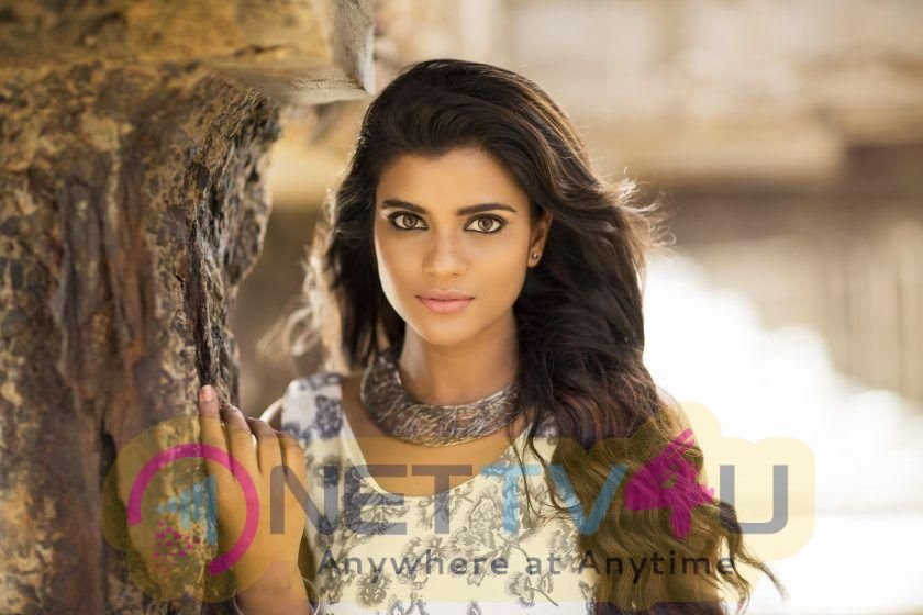 Aishwarya Rajesh New Cute Photos