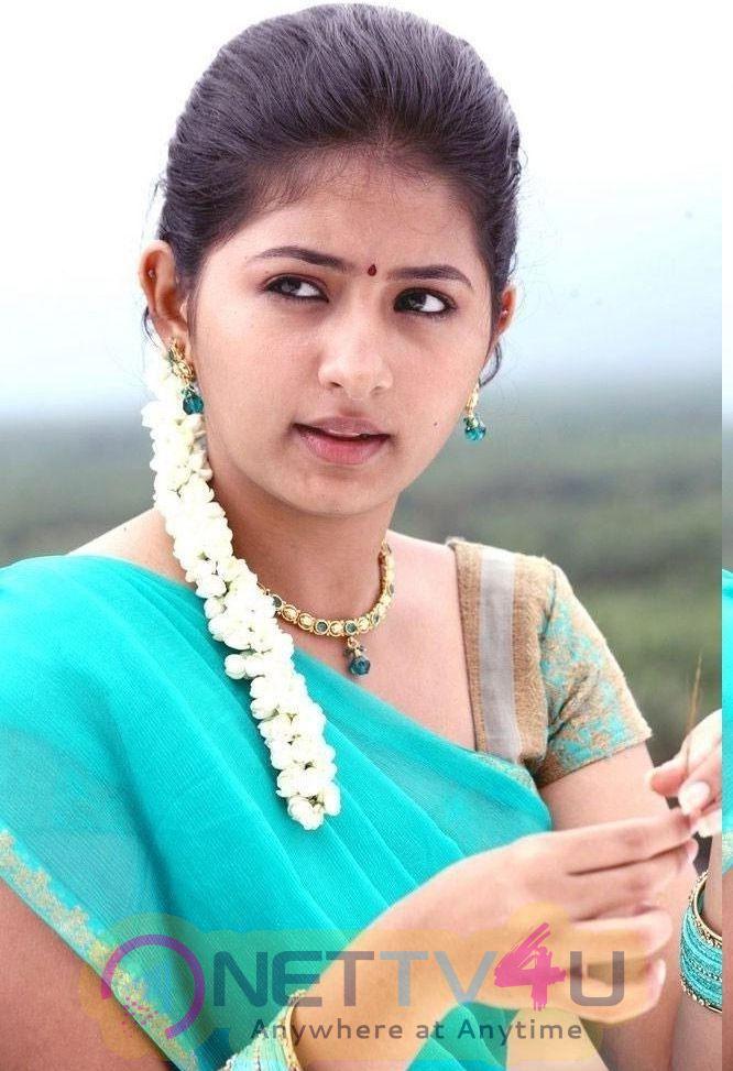 Reshmi Menon New Photos Tamil Gallery