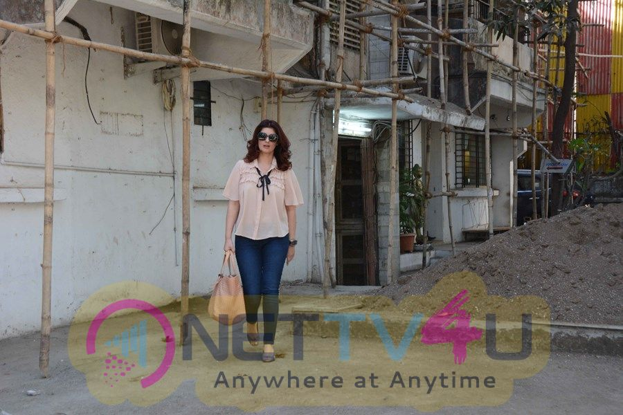 Twinkle Khanna Spotted At Kromakay Salon