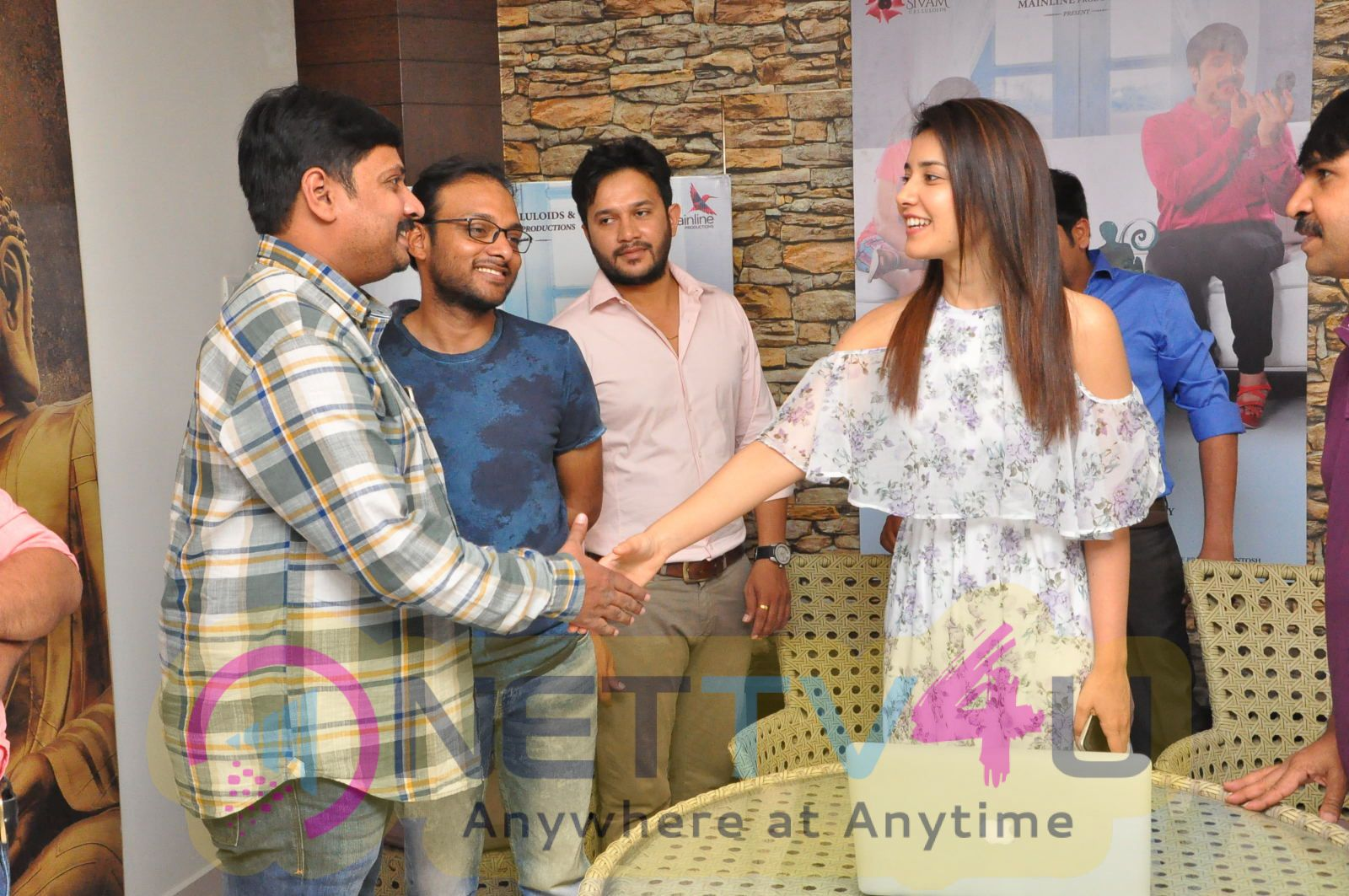 Jambalakidi Pamba Movie Lyrical Video Song Launch Event Pics