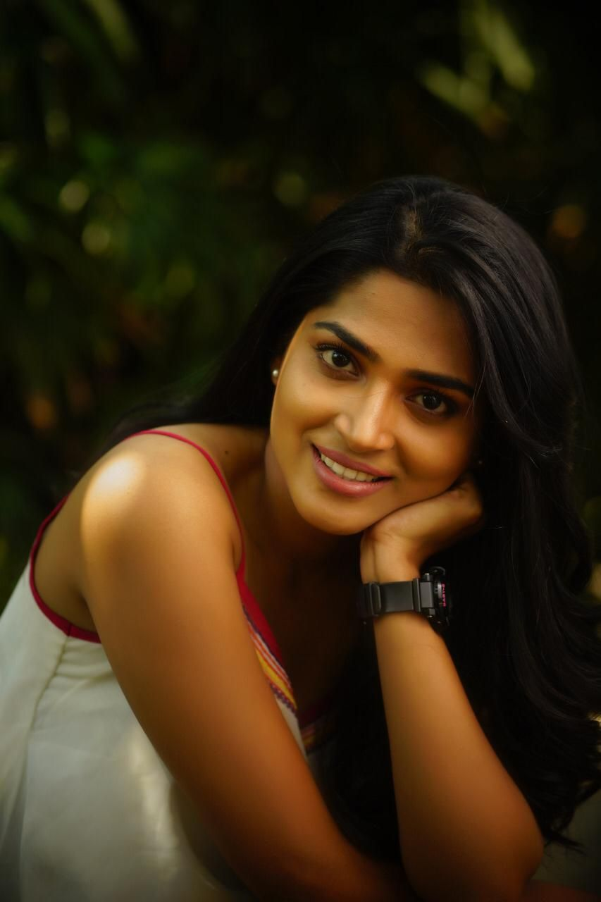 Actress Anagha Latest Photo Shoot Stills Tamil Gallery