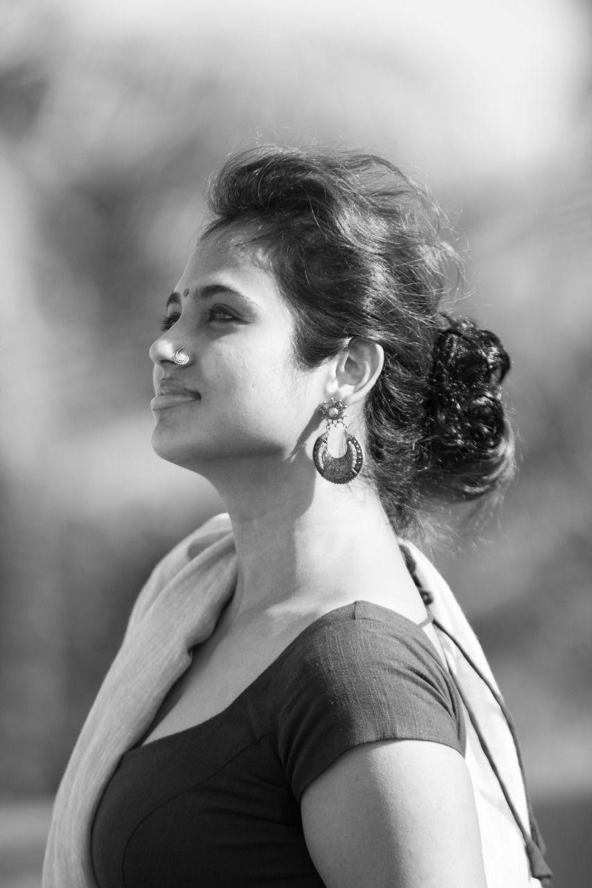 Actress Ramya Pandiyan Cute Pics Tamil Gallery