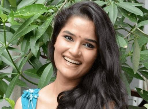 Sneha Thakur Tamil Actress