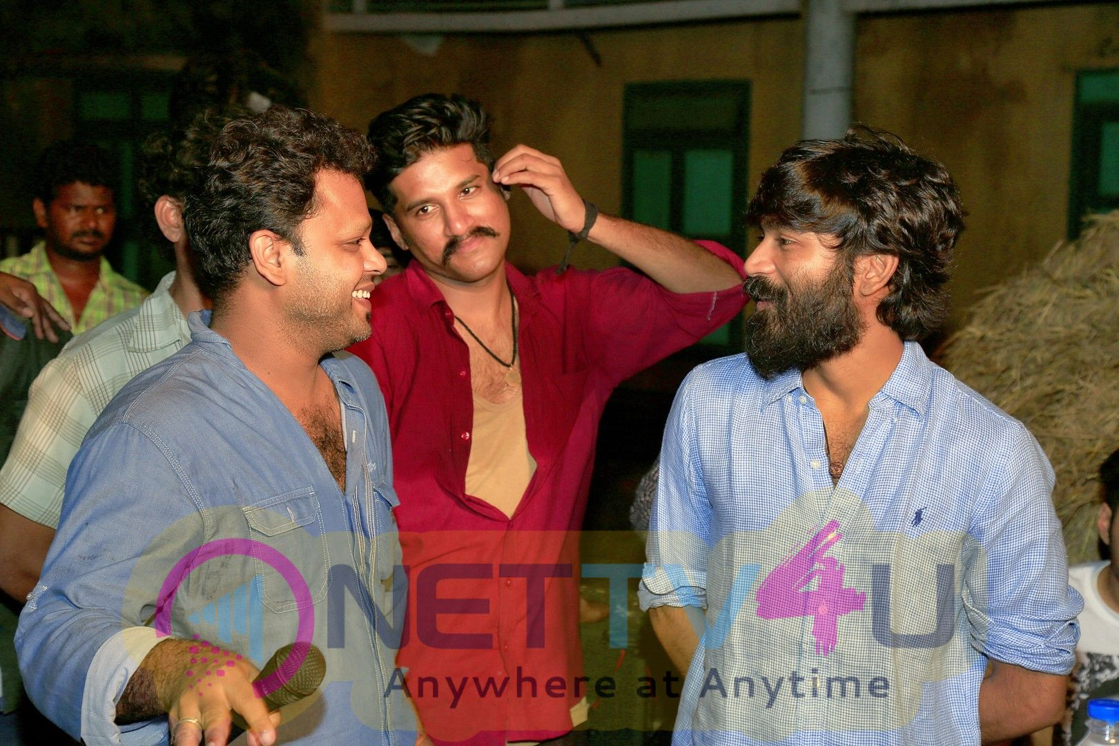 Actor Dhanush Visits PadaiVeeran Movie Set Images