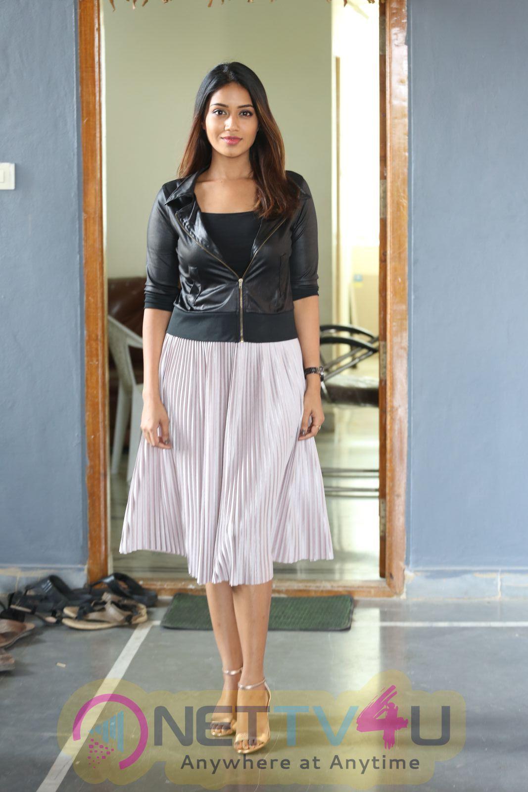 Actress Nivetha Pethuraj Attractive Images