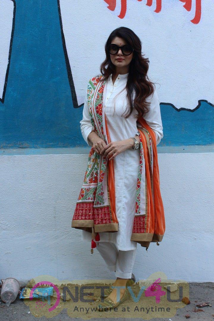Actress Ihana Dhillon Cute Stills