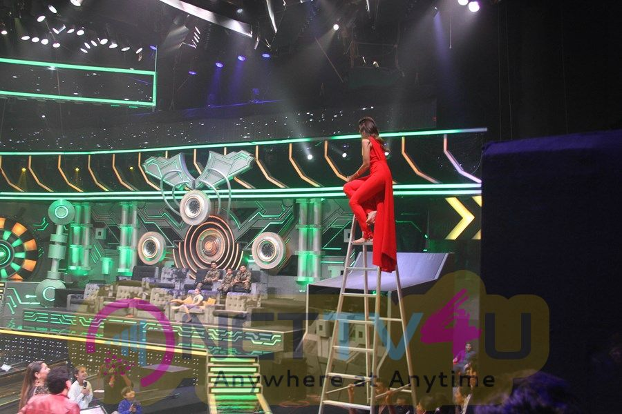 Super Dancer Show On Location Photos Hindi Gallery