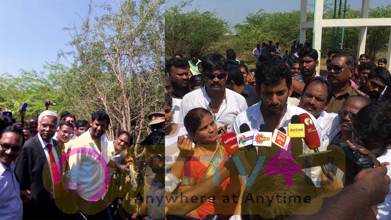 Actor Vishal Doing Public Service Photos In Kothangudi English Gallery