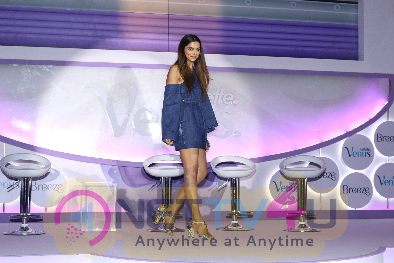 Deepika Padukone At Launch Of Gillette Venus Breeze Event Photos