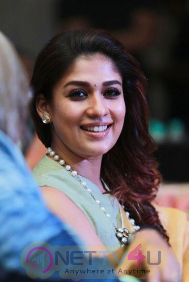 Nayanthara Won The Award For Excellence In Entertainment At The The Hindu World Of Women 2018 Awards Pics