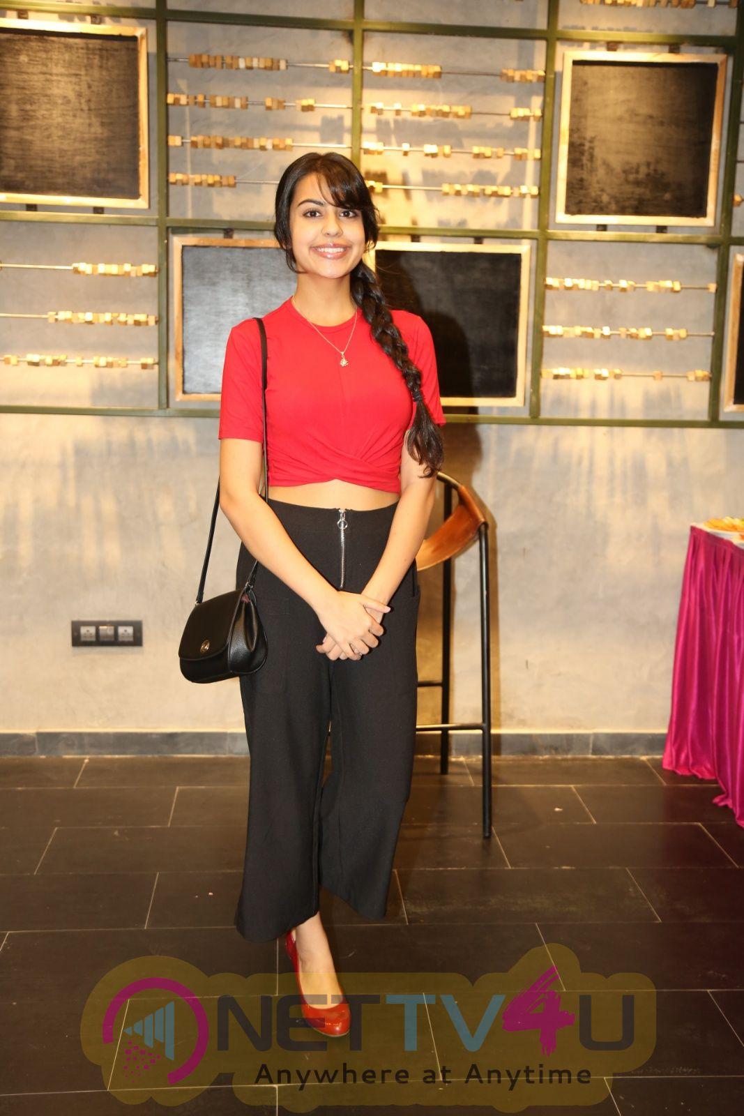 Actress Sasha Singh Cute Images Telugu Gallery