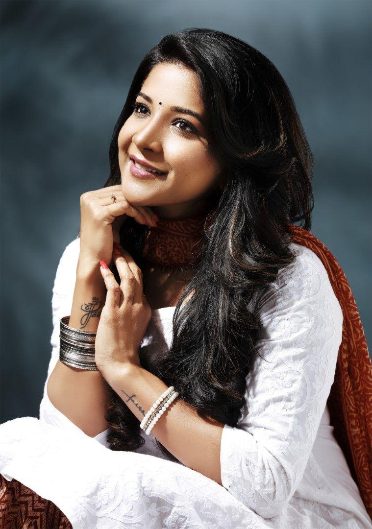 Bigg Boss 3 Contestant Actress Sakshi Agarwal Ravishing