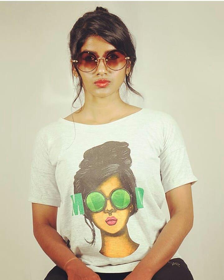Actress Aathirai Congenial Stills Tamil Gallery