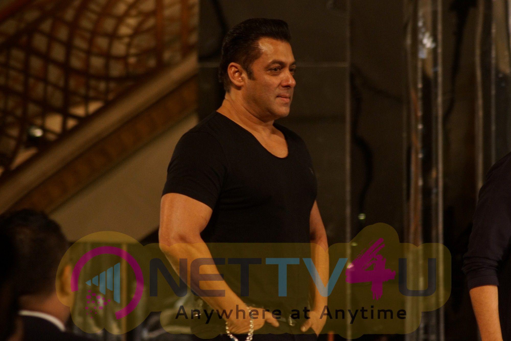 Salman Khan And Katrina Kaif Ramp Walk For Manish Malhotra Stills