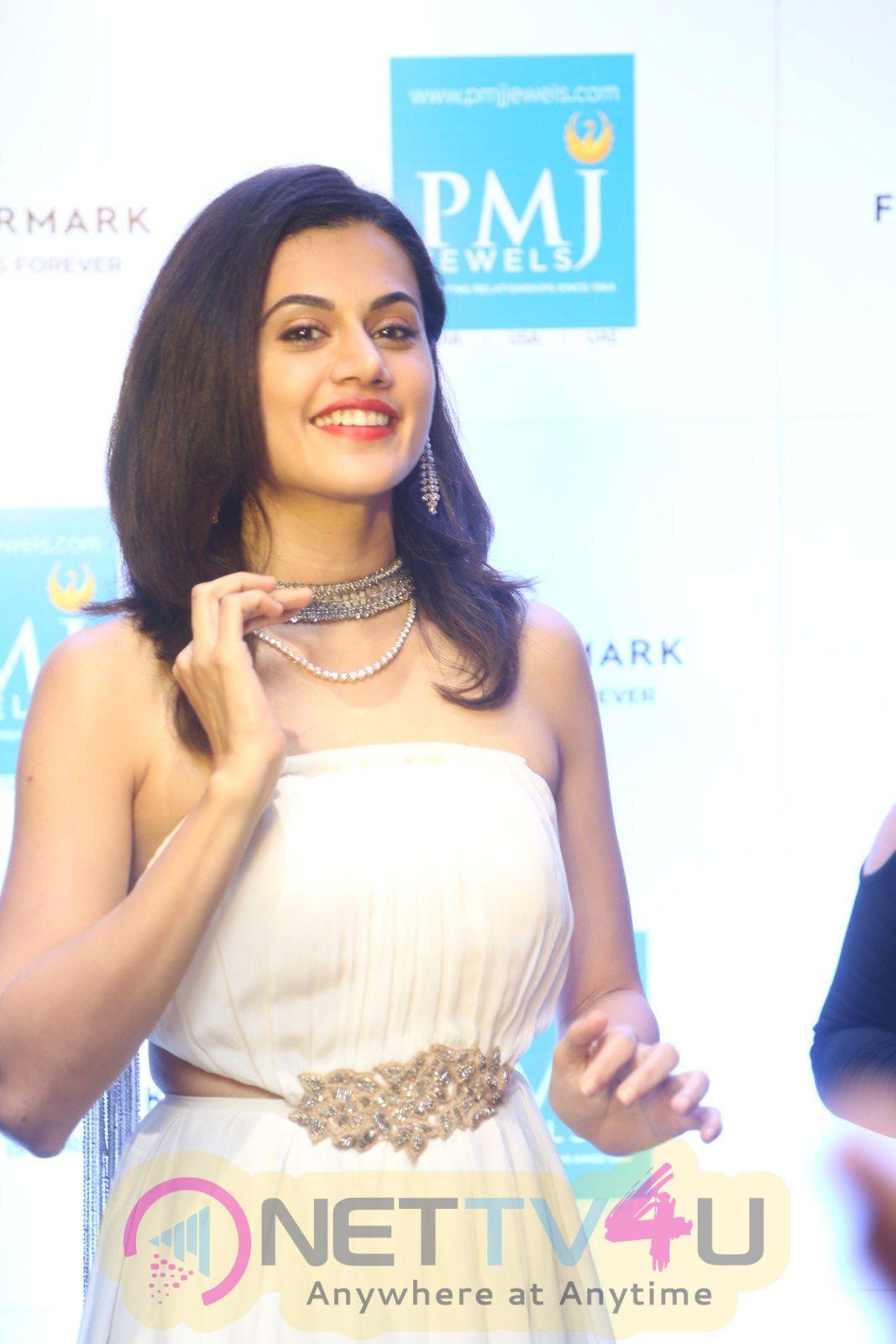 Actress Taapsee Pannu Attractive Stills