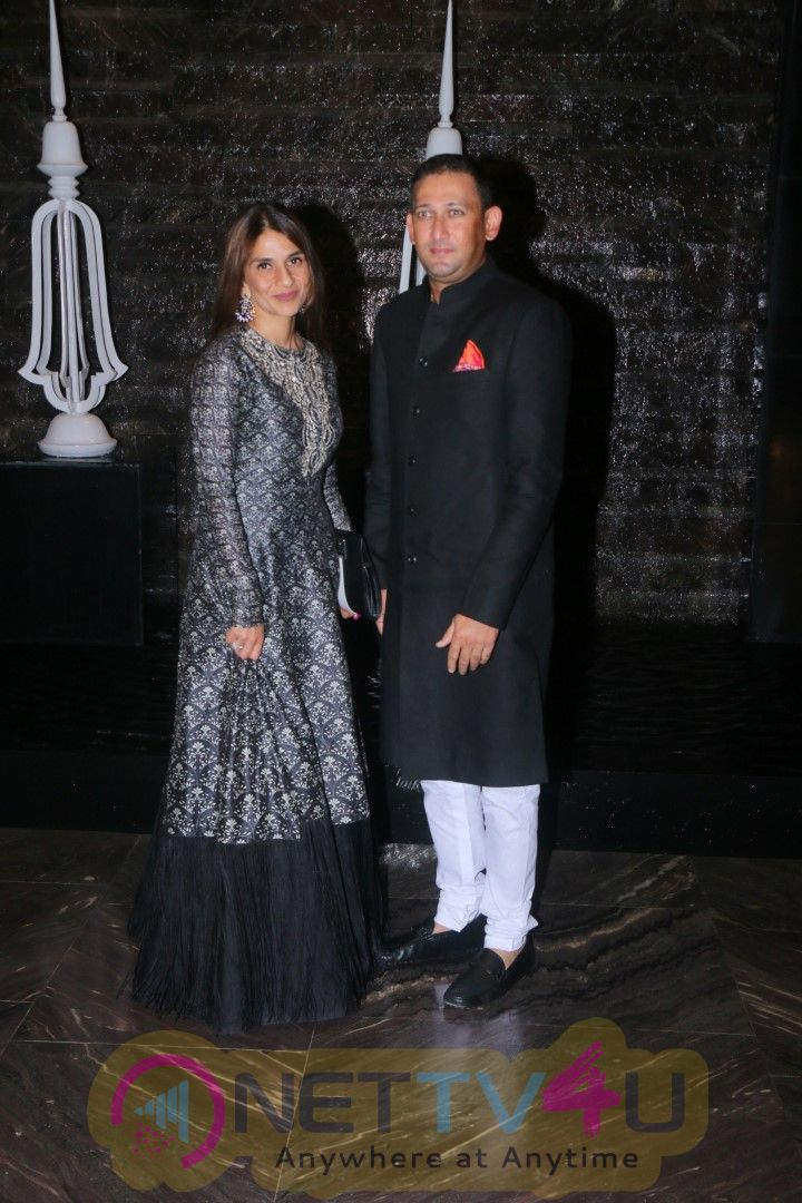 Sachin, Anjali Tendulkar & Other Celebs At Attend Zaheer Khan & Sagarika Ghatge Wedding Party Stills Hindi Gallery