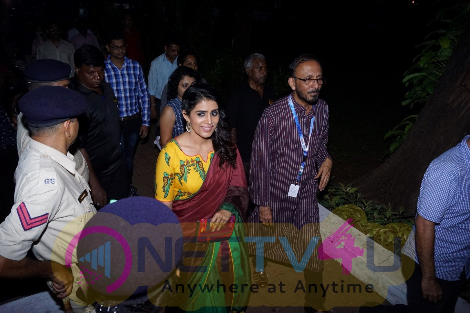 Sonali Kulkarni At Bioscope IFFI 17 Pics Hindi Gallery