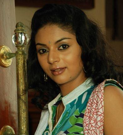 Bangalore Girl Sanam's Tamil Cop Roles!