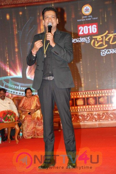 2016 State Filmfare Awards Pictures
