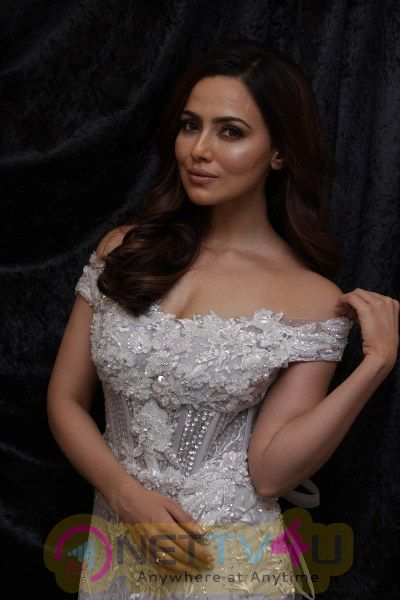Dimple & Amrin Showcase Spring Summer Collection With Sana Khan
