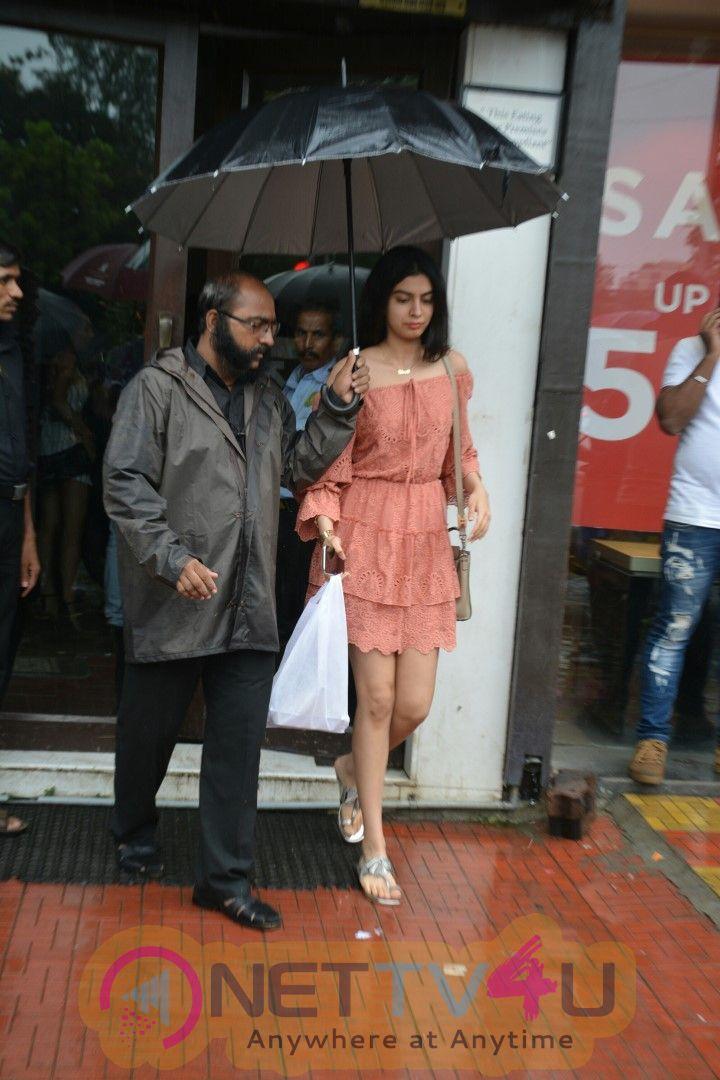 Actress Janhvi Kapoor Sister Khushi Kapoor Spotted At Bandra Cute Images