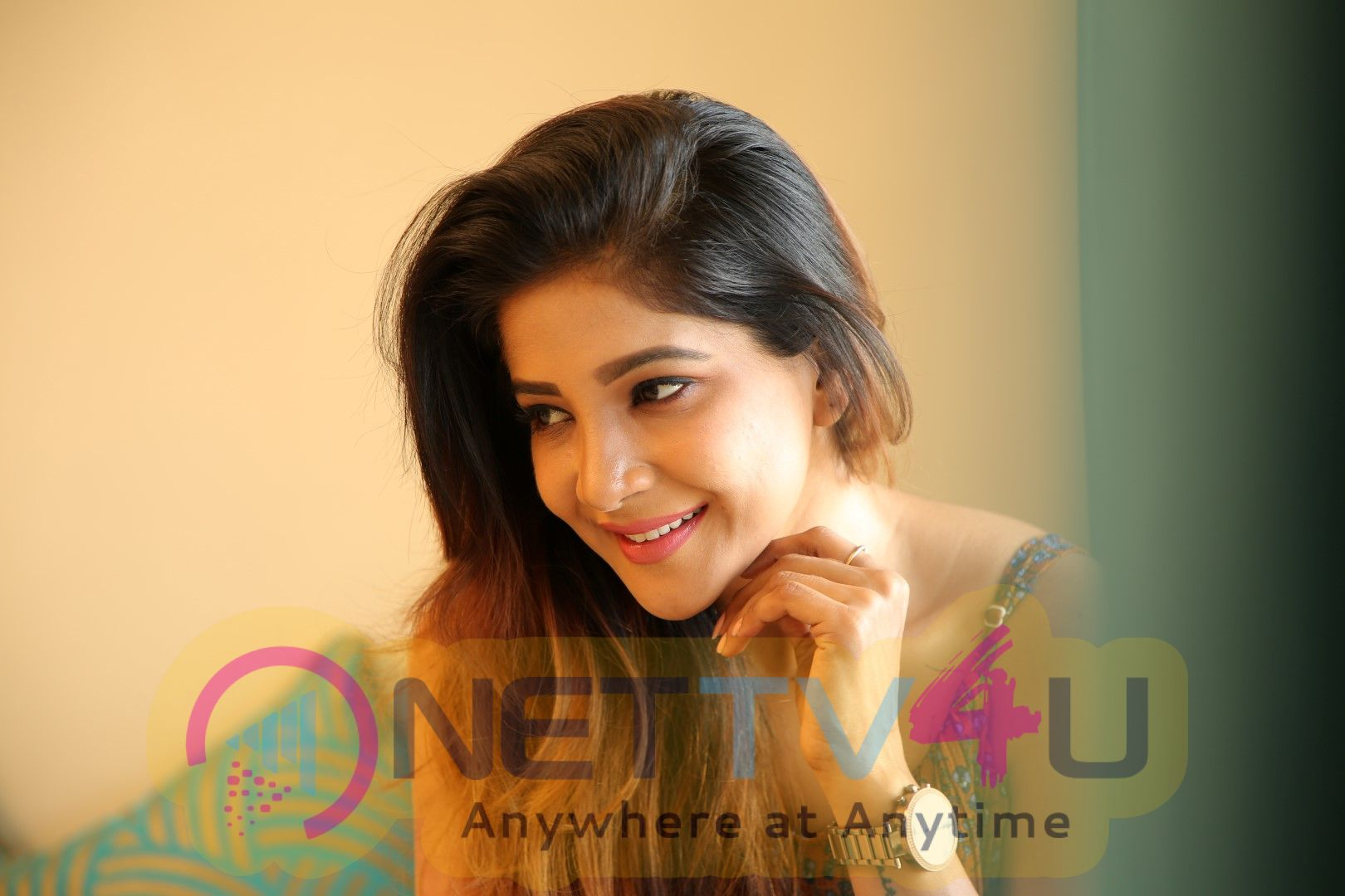 Actress Sakshi Agarwal Exclusive Interview Pics