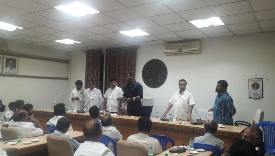 Vishal Speaks At Nadigar Sangam Press Meet!