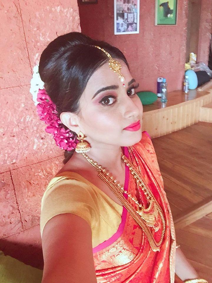 Actress Dimple Chopade Bewitching Pics Kannada Gallery