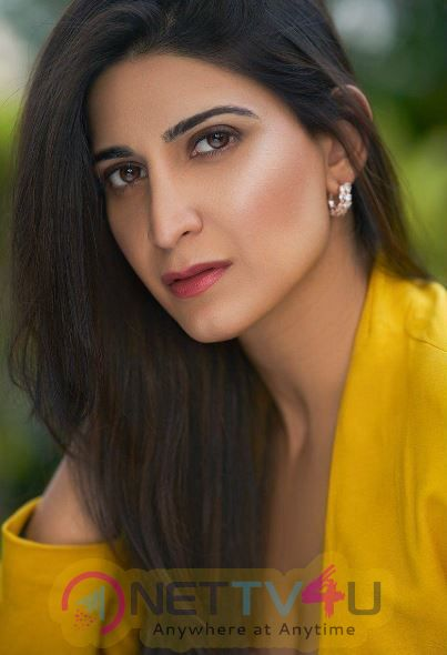Actress Aahana Kumra Angelic Images