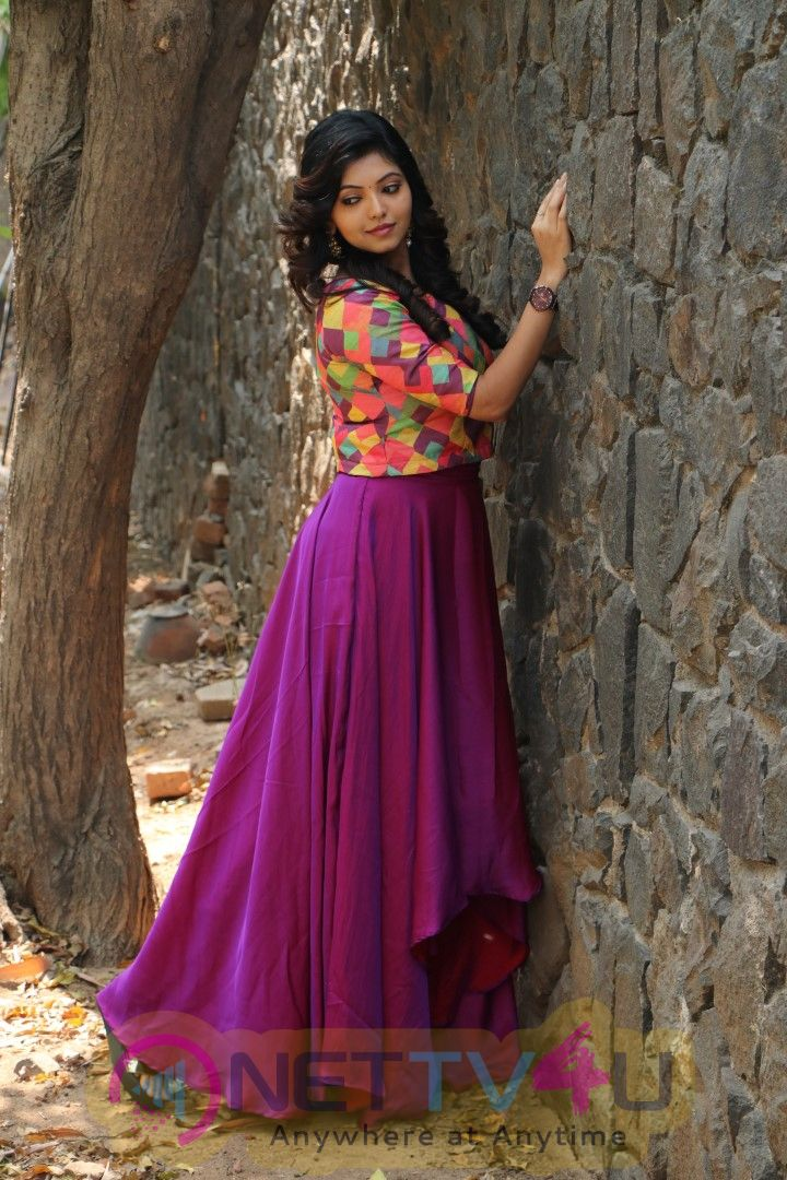 Actress Athulya Cute Images Tamil Gallery