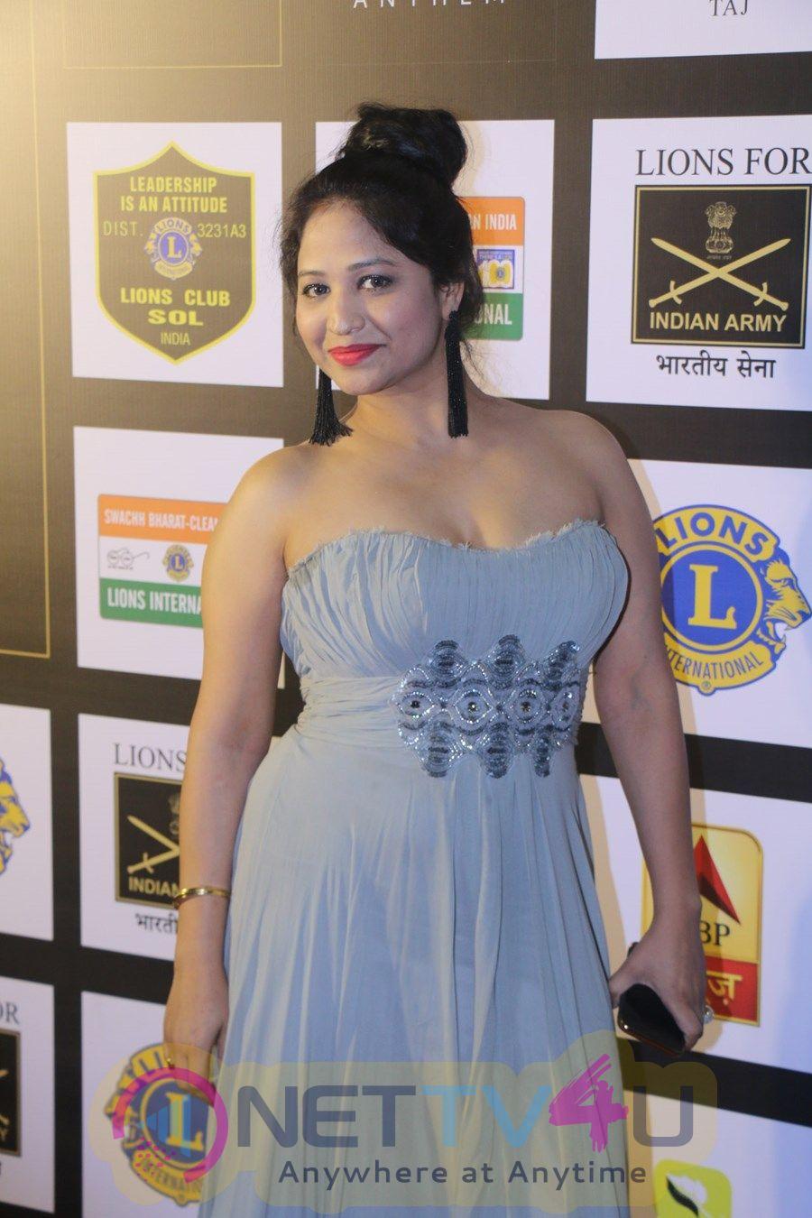 Parineeti Chopra & Raveena Tandon At 24th SOL Lions Gold Awards Images Hindi Gallery
