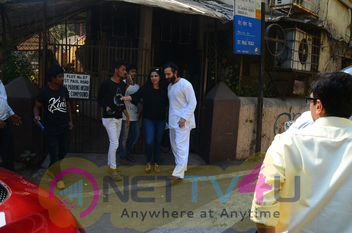 Saif Ali Khan Came To  Dubbing Studios In Bandra Hindi Gallery