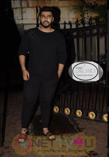 Khushi ,Janhavi And Boney Kapoor At Arjun Kapoors House To Celebrate Arjuns Birthday In Juhu Beautiful Pics  Hindi Gallery