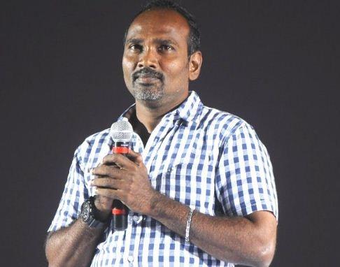 Vijay Milton Slams The Online Reviewer!