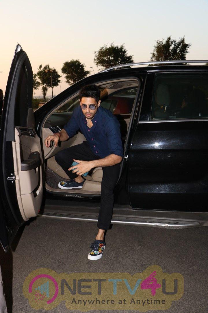Sidharth Malhotra & Adah Sharma Spotted At Airport Pics