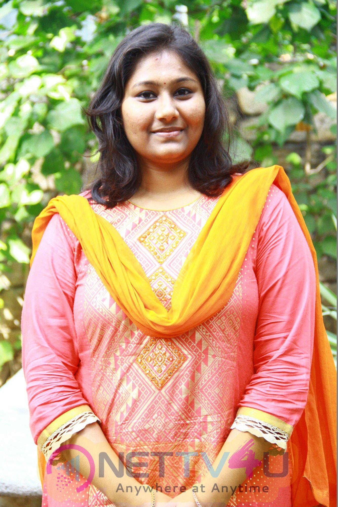 Indha Nilai Maarum Movie Pooja Enticing Pics
