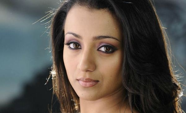 Star Fans To Learn From Trisha's Fans!