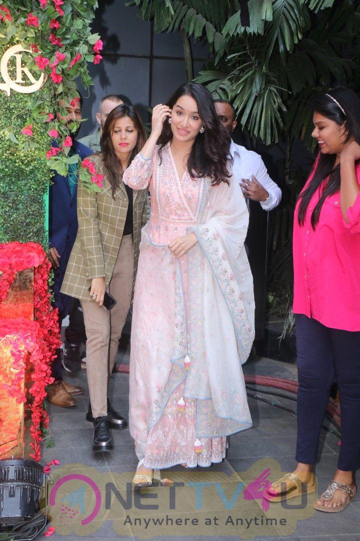 Actress Shraddha Kapoor Cute Pics Hindi Gallery