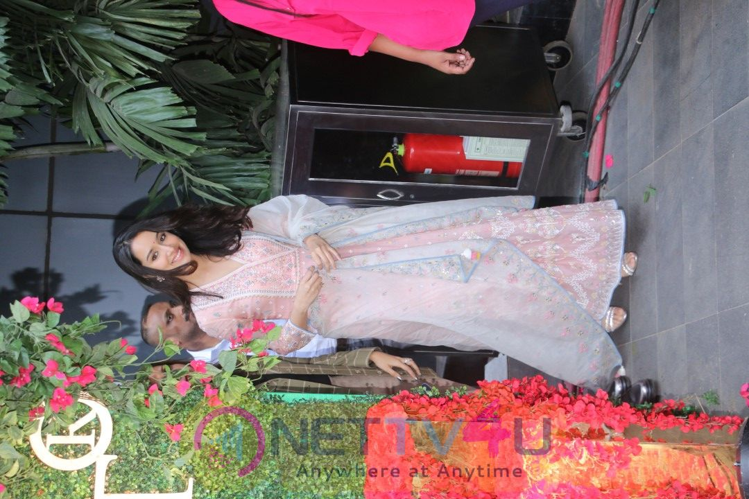 Actress Shraddha Kapoor Cute Pics