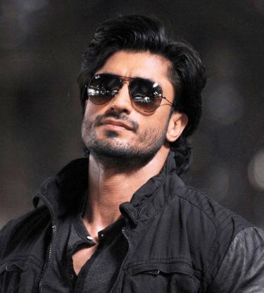 Vidyut Jammwal Speaks Of Telugu Actors As He Does Commando 2