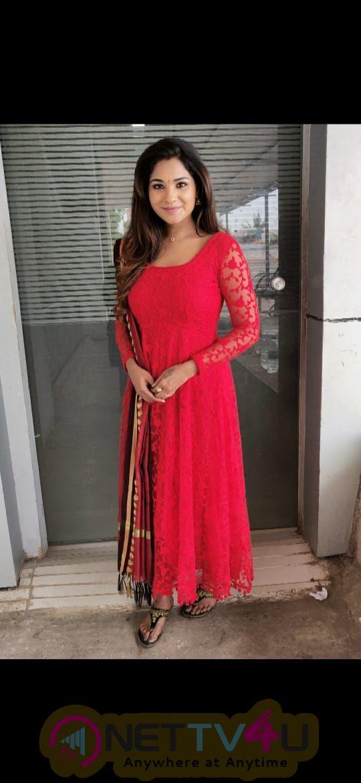 Actress Sharanya Turadi Sundaraj Good Loking Stills  Tamil Gallery